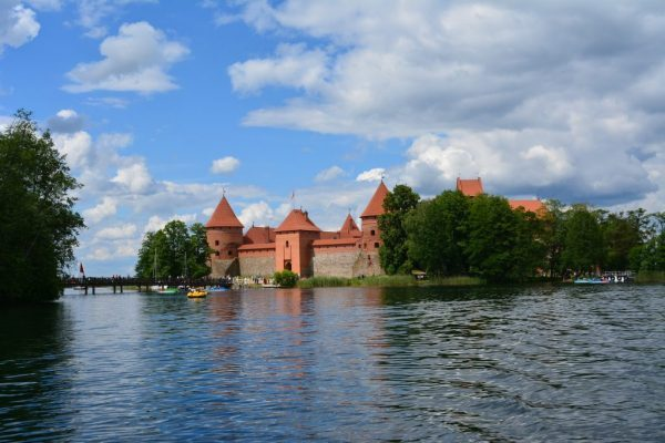 trakai-lake-castle