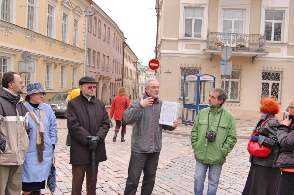 Yulik leading a tour in Vilnius - Zalkin