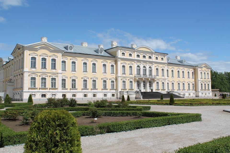rundale-palace-riga-latvia-exterior-white-gardens